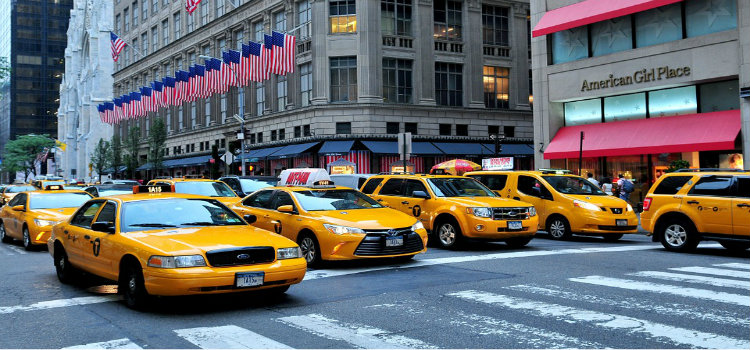 cabs at manhattan intersection